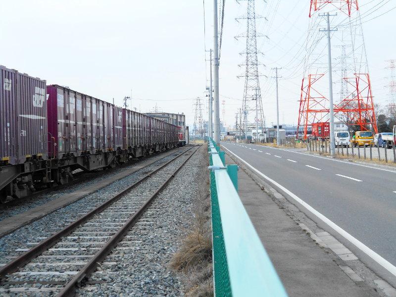 仙台港駅とコンテナ列車2017春その2-7413