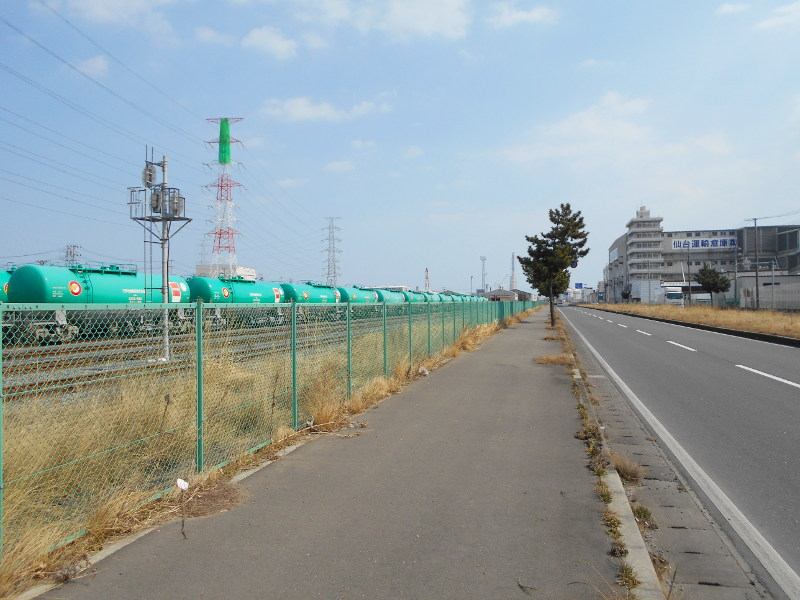 仙台港駅とタンク列車2017春-7108