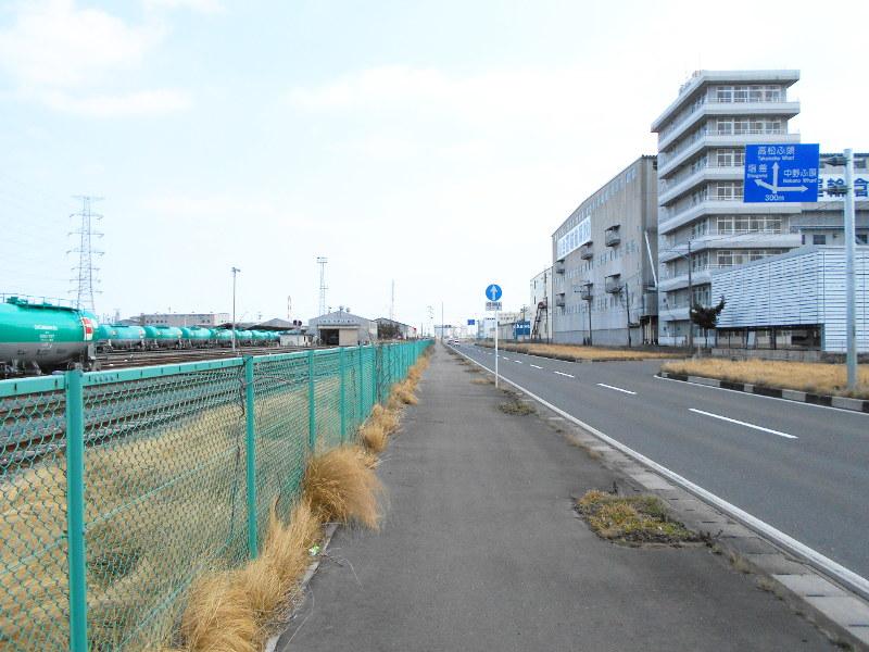仙台港駅とタンク列車2017春-7117