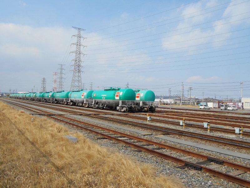 仙台港駅とタンク列車2017春-7120