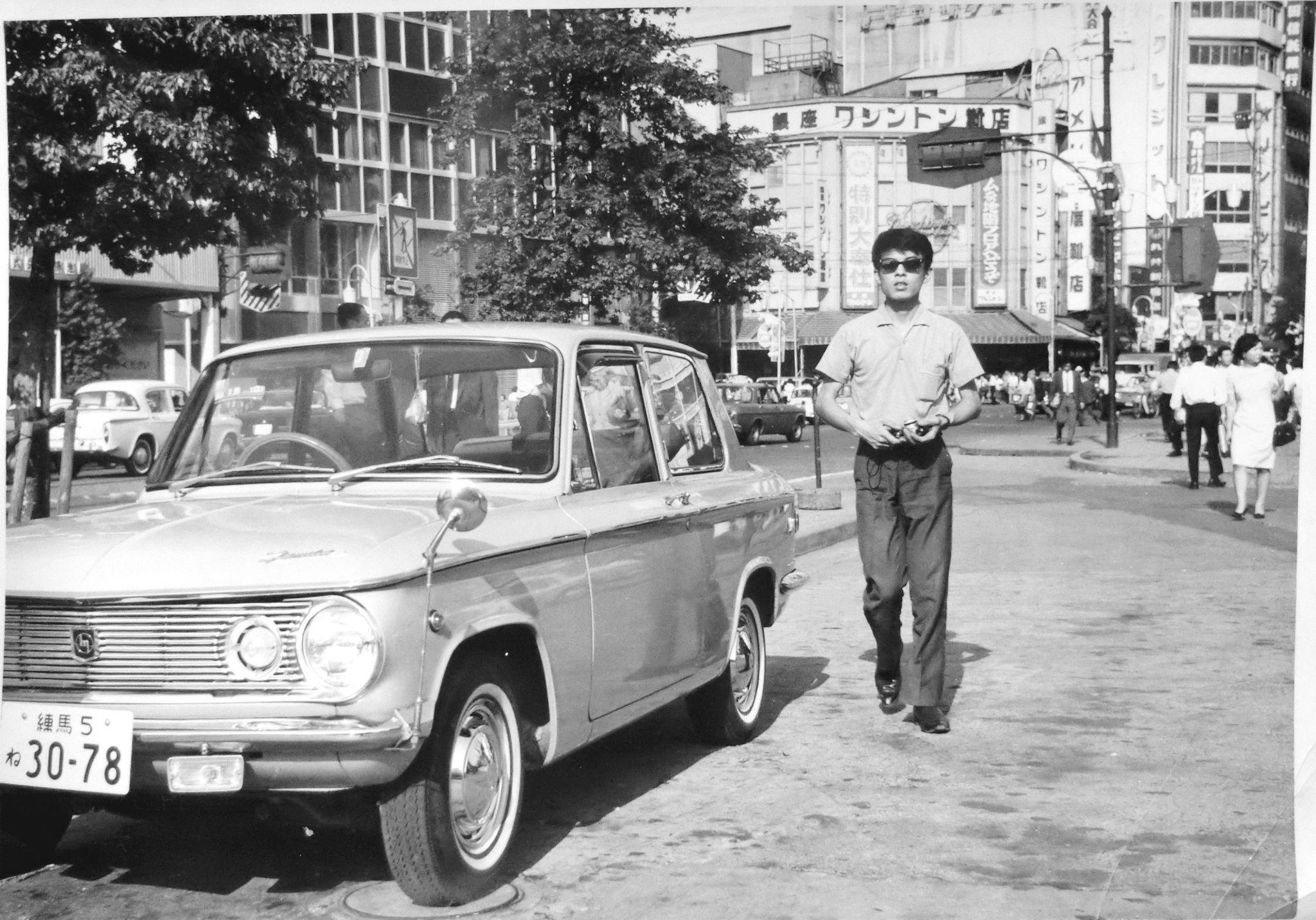東京・新宿駅東口から三丁目界隈の日差し1960年代-1001